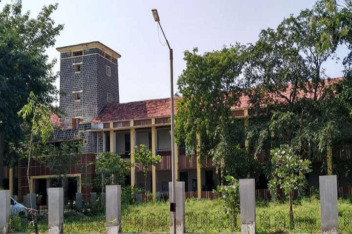 https://cache.careers360.mobi/media/colleges/social-media/media-gallery/25874/2019/10/3/Campus View of Government Polytechnic Dahod_Campus-View.png